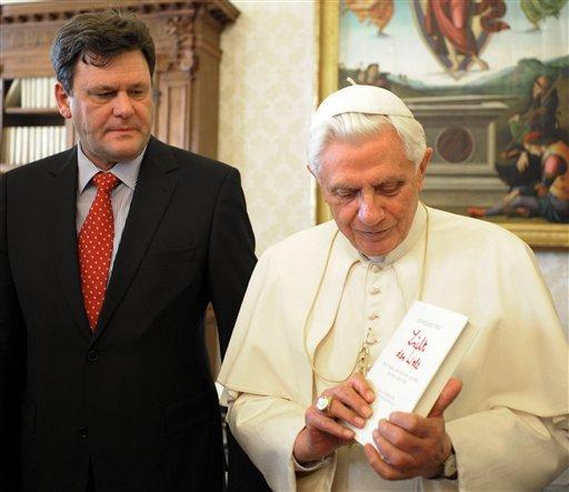 """VOKIEČIŲ ŽURNALISTAS PETERIS SEEWALDAS: """"POPIEŽIUS BENEDIKTAS XVI NĖRA REAKCIONIERIUS"""""""