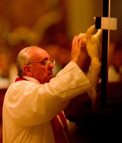 Pope Francis crucifix