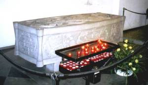 The tomb of Bl John Duns Scotus (Franciscan church, Cologne) which bears the inscription: Scotia me genuit. Anglia me suscepit. Gallia me docuit. Colonia me tenet. (Scotland brought me forth. England sustained me. France taught me. Cologne holds me.)