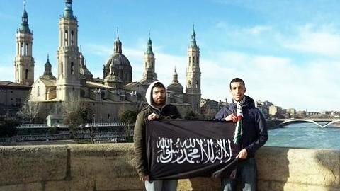 "pro-jihadists in front of the basilica ""La Virgin del Pilar"" in Zaragoza (Spain)"