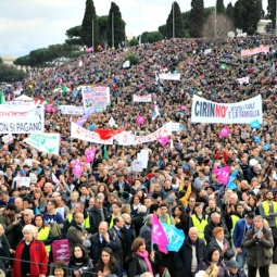 Supporters of marriage through the Circus Maximus in Rome at the Family Day celebration and rally. – Edward Pentin photo
