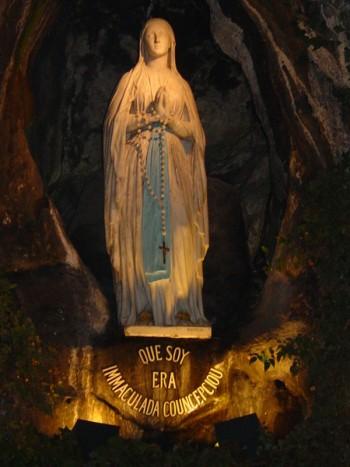 vierge-marie-lourdes-e1392107307691
