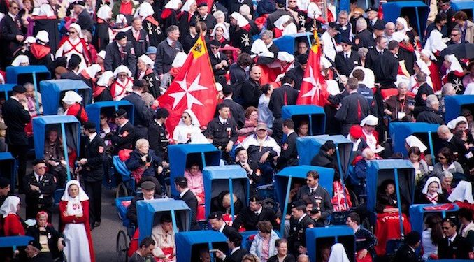 Cardinal Burke is Snubbed at Lourdes by Maltese Order | Catholicism